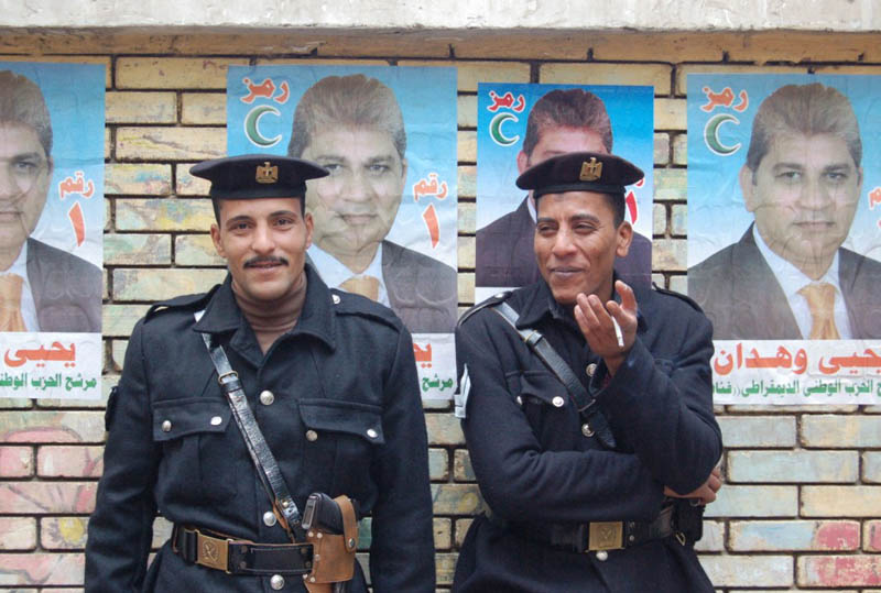 policemen-at-polling-station.jpg